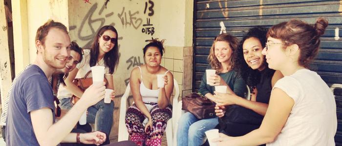 favela_cheers